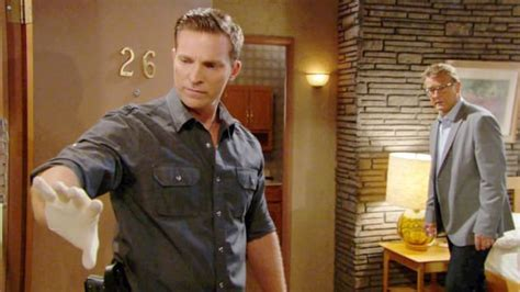 whos leaving young and restless the young and the restless steve burton leaving the role