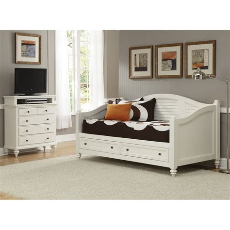 White Wooden Daybed Bedroom White Wooden Daybed With Storage And Trundle Also Bedside Table Plus Grey Bed Cover And