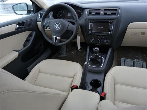Jetta Interior by Review 2011 Volkswagen Jetta Se The About Cars