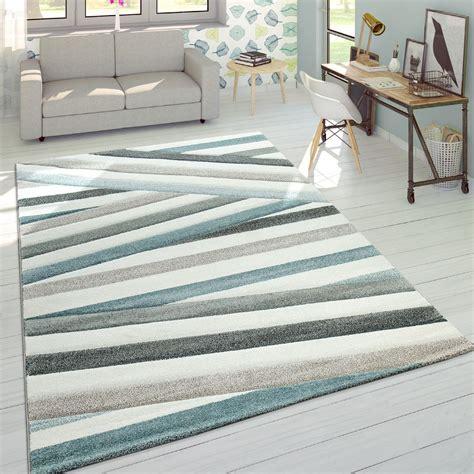 tappeti a righe designer tappeto a righe toni pastello crema tapetto24