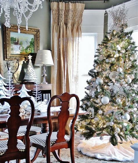 Dining Room Christmas Decorations by 25 Stunning Christmas Dining Room Decoration Ideas