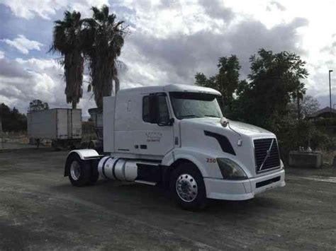 volvo truck 2011 volvo vnl430 2011 sleeper semi trucks