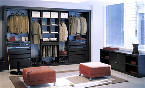 cuarto con vestidor y baño cocinas con vinil