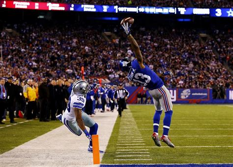 the science of odell beckham jrs incredible onehanded td catch 2014 giants odell beckham makes incredible one handed catch
