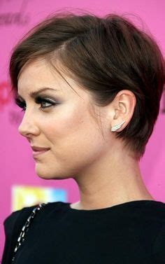 hairstyle to tuck ears 30 fabulous haircuts for thin hair