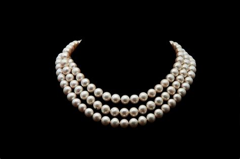 13 Most Stylish Pearl Necklaces For This Winter by 14 Most Pearl Necklace Designs Really