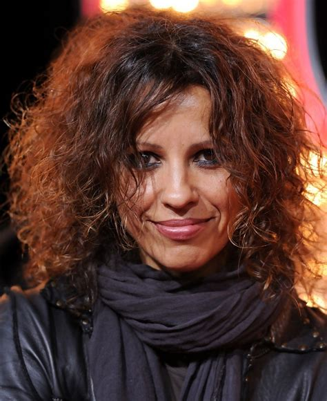 linda perry on the view linda perry in quot burlesque quot premiere zimbio