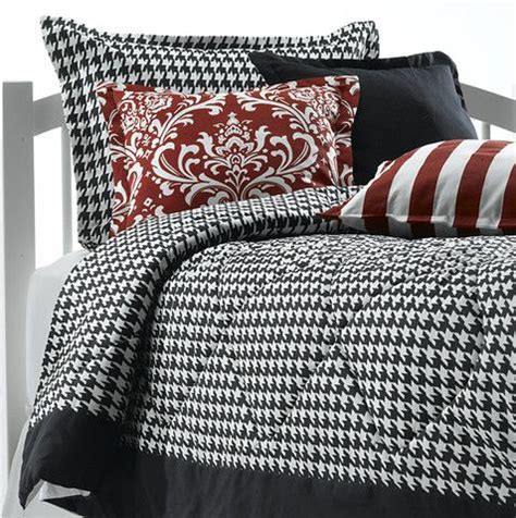 houndstooth comforter 17 best images about black and white dorm decor on
