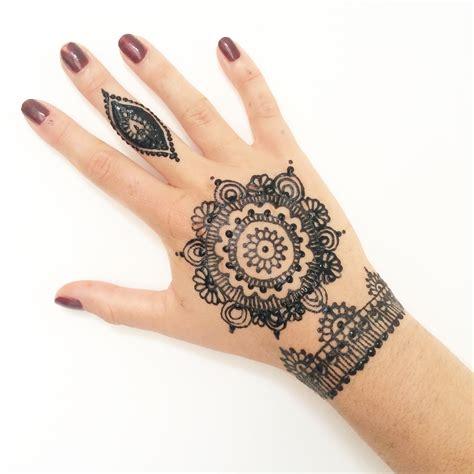 motif tato hena kupu kupu massilia henna sunday henna