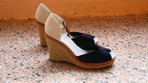 Selop Wedges Tebal istilah macam macam sepatu wanita yang harus kamu tahu