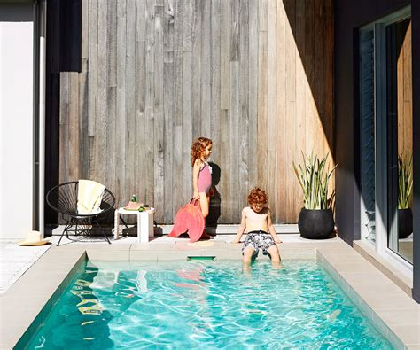 building  swimming pool