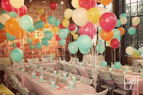 birthday themes with balloons diy leah s surprise 30th balloon birthday party edyta