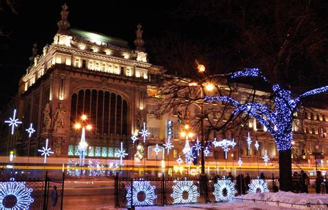 christmas in saint petersburg lights trees 2016 2017