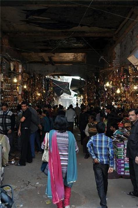 stall kã ln aminabad market aminabad bazaar aminabad market in lucknow