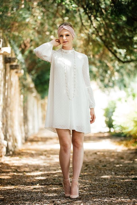 hochzeitskleid kurz standesamt brautkleid standesamt im 70er jahre stil in wundervollem