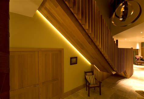 how to change light bulbs in a stairwell staircase lighting brilliant lighting