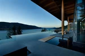 Infiniti Pool Stunning Lakeside Home Blends Infinity Pool With Lake And