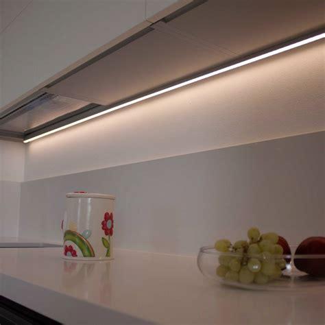 illuminazione sottopensile illuminazione sottopensili cucina idee di design per la