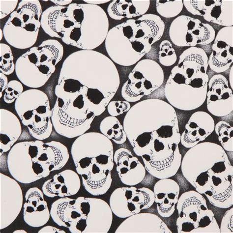 imagenes de calaveras blanco y negro tela calaveras blanco negro brilla en la oscuridad telas
