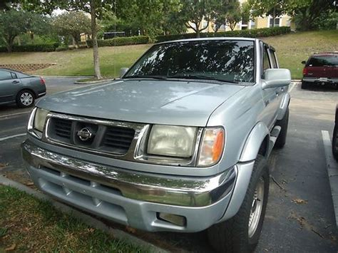 2000 nissan frontier xe pick up truck with 4 cylinder twin cam 16 valve engine 5 speed manual t buy used 2000 nissan frontier xe crew cab pickup 4 door 3 3l in orlando florida united states