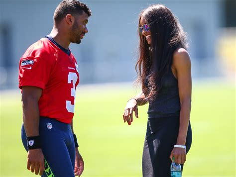 ciara is dating seattle seahawks quarterback russell video ciara calls out future discusses relationship with