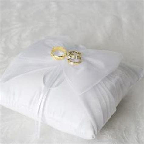 How To Sew A Ring Bearer Pillow by 1000 Images About How To Make A Ring Bearer Pillow On