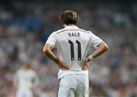 gareth bale i want to help real madrid win six trophies next exclusive blow for man united real madrid don t want to