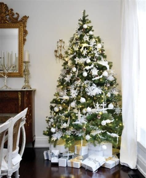 tree decoration ideas 30 traditional and unusual christmas tree d 233 cor ideas