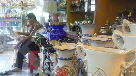 Jual Lu Sorot Jakarta pembeli lebih menyukai guci keramik china 3