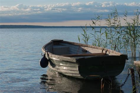 types of boats lake what type of boats are best suited to lakes railblaza