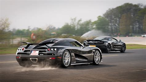 Koenigsegg Ccx Edition Vs Mclaren 12c Youtube
