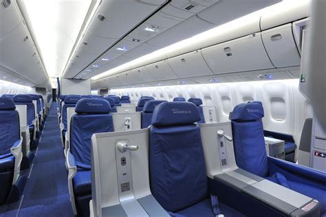 delta airlines business class seat configuration delta upgrades mumbai amsterdam service to flat seat