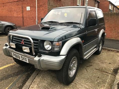 mitsubishi pajero 2 8 ltd edition swb 3 doors 4x4 automatic green low mileage long mot mitsubishi pajero 2 8 turbo diesel auto swb in uxbridge london gumtree