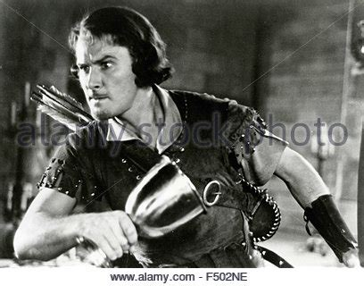 robin hood errol flynn free errol flynn the adventures of robin hood 1938 directed
