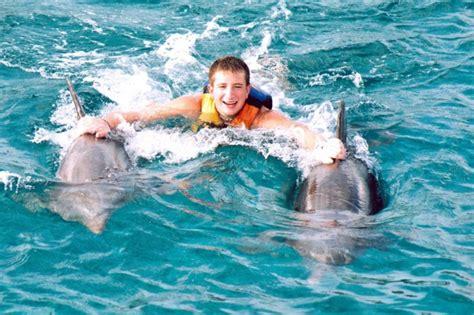 Bilder Schönes Leben by Sie Tr 228 Umen Davon Mit Delfinen Schwimmen Zu K 246 Nnen
