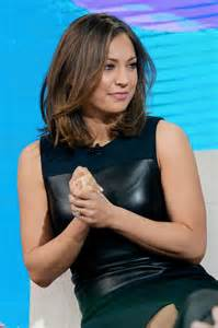 gfinger zees haircut ginger zee tapes a segment for good morning america in