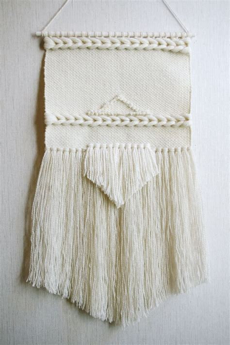 1000  ideas about Weaving Wall Hanging on Pinterest   Loom