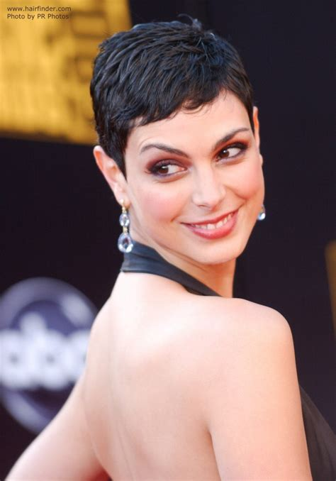 how to cut really short hair morena baccarin s practical and very short haircut for