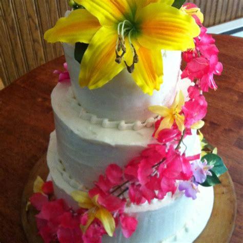 luau wedding cakes hawaiian themed wedding cakes idea in 2017 wedding