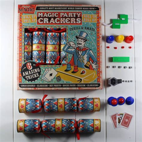 balloon modelling party crackers by nest
