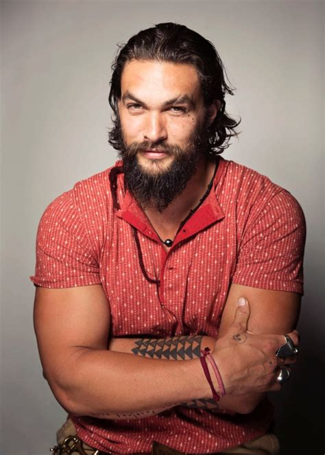 actor who plays aquaman s brother game of thrones quot actor jason momoa to star in discovery
