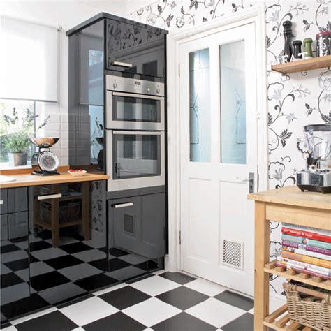 black and white wallpaper in kitchen perfeita ordem blog de decora 199 195 o papel de parede na