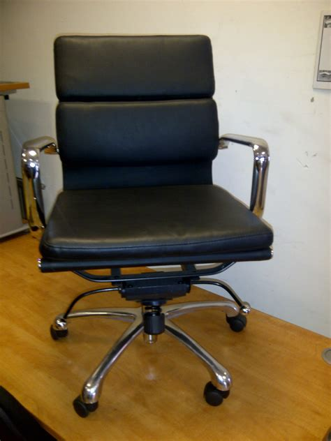 used office desk chairs used office furniture docklands london