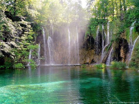 famous waterfalls top ten waterfalls famous waterfll wallpapers waterfalls