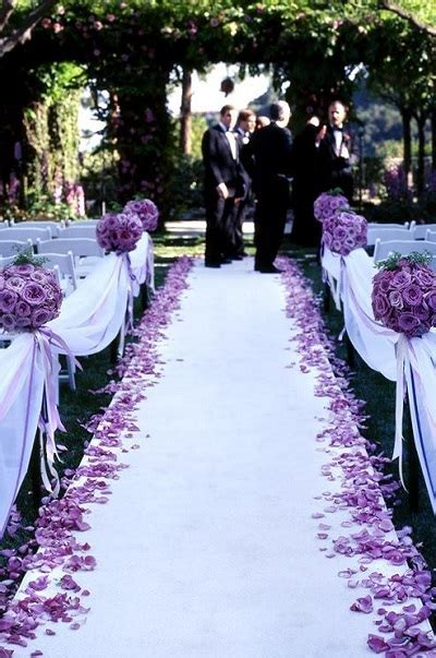 20 Decorations To Highlight Your Walk Down The Aisle