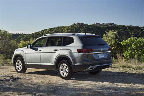 vw atlas models  price bump carscoops
