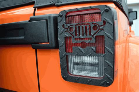 jeep tail light guard all things jeep jeep tweaks jeep design tail light