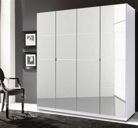 schlafzimmer mit spiegel kleiderschrank schlafzimmer schrank wei 223 mit spiegel 4
