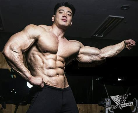 natural bodybuilding musclemania natural bodybuilding laying low