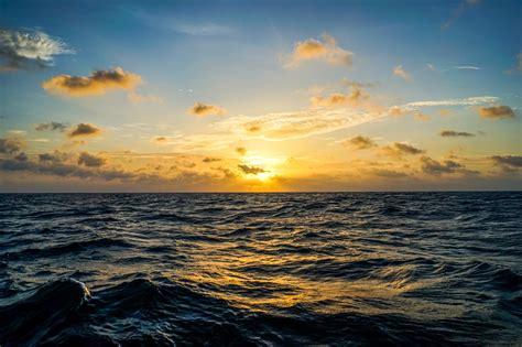 imagenes extraordinarias del mar el mar de banda en indonesia esconde una de las fallas
